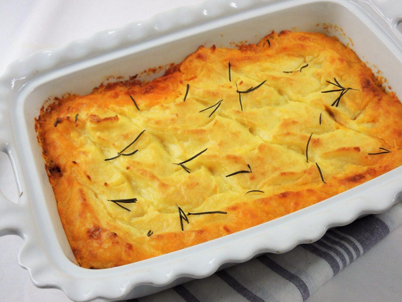 Ragú z mletého masa zapečené s bramborovým pyré