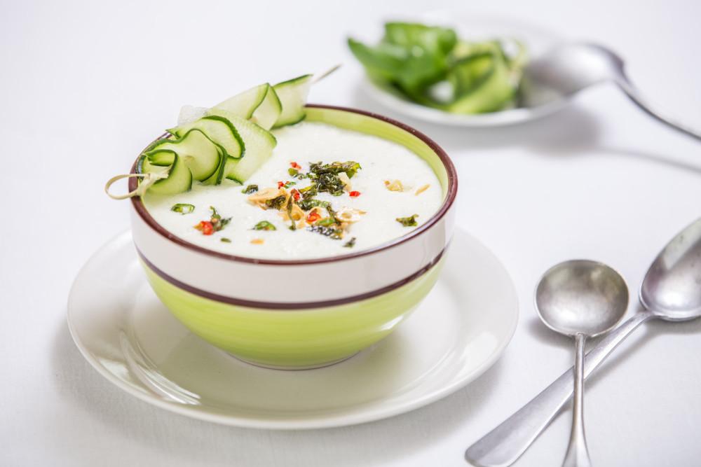 Letní okurková polévka