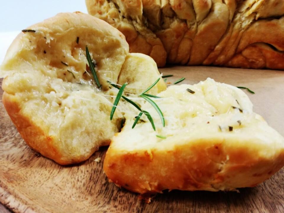 Trhací rozmarýnový chlebík