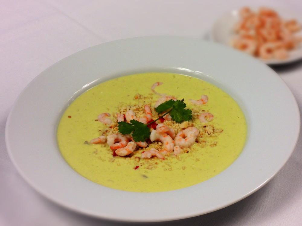 Thajská limetová polévka s krevetkami