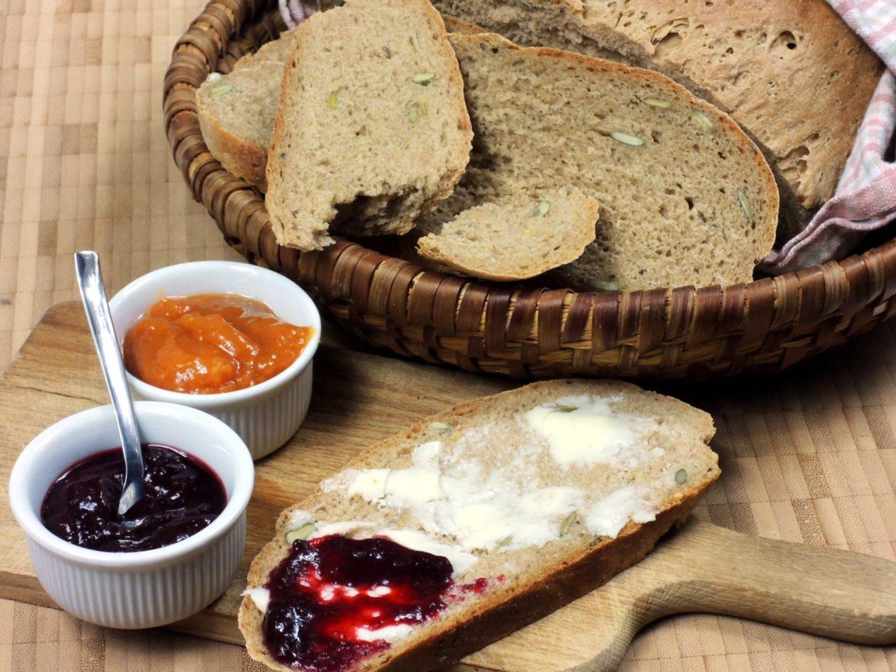 Domácí chleba z droždí