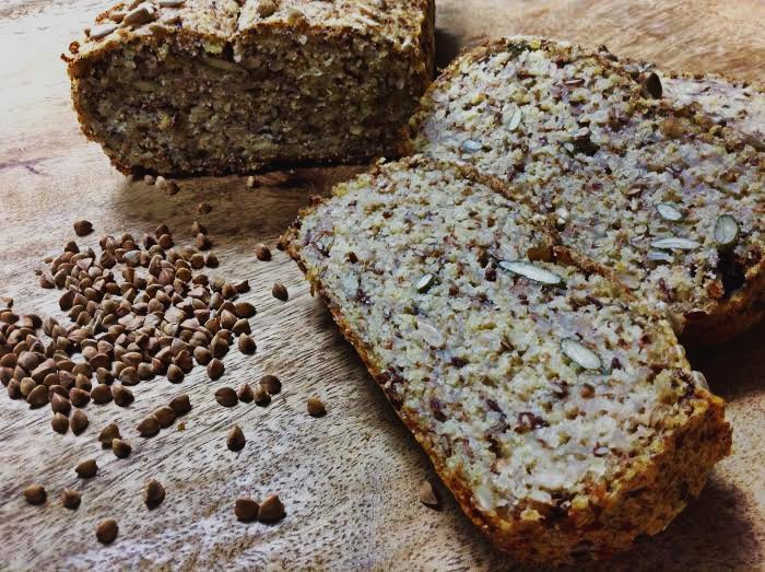 Bezlepkový chleba z jáhel a pohanky