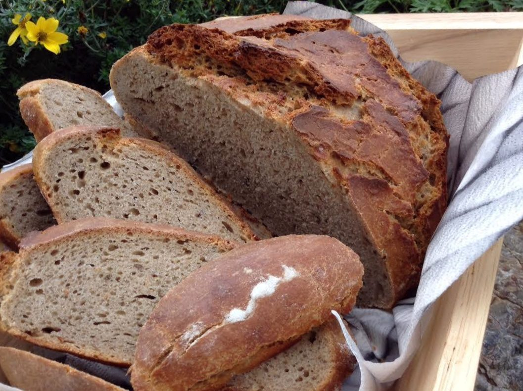 Kváskový pšenično-žitný chléb