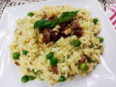 Krémové risotto s hráškem a pancettou