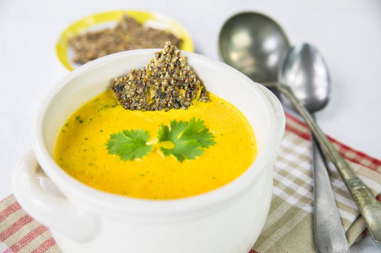 Mrkvová raw polévka s koriandrem