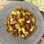 Smažená rýže s kuřecím masem a ananasem