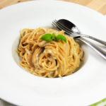 Špagety se sýrovou omáčkou