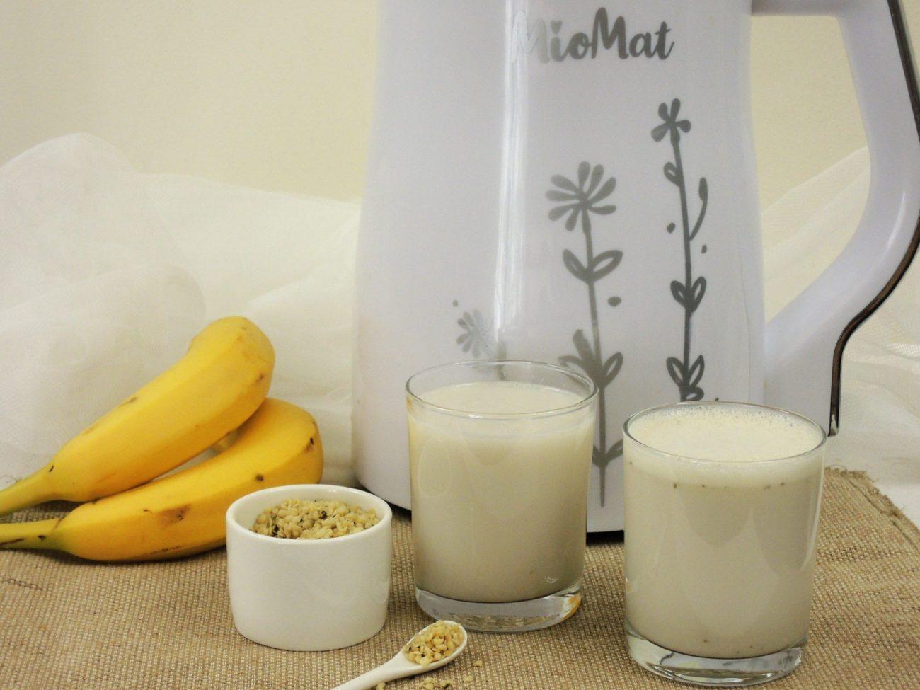 Konopné mléko s banánem