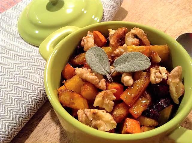 Salát z pečené z dýně Hokaidó s vlašskými ořechy