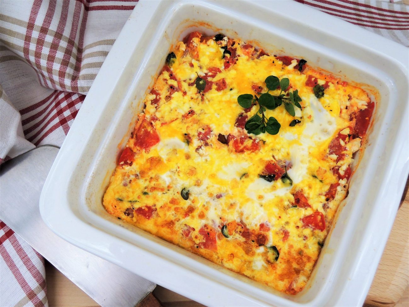 Frittata s rajčaty a balkánským sýrem