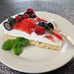 Piškotový dort s marcarpone a ovocem
