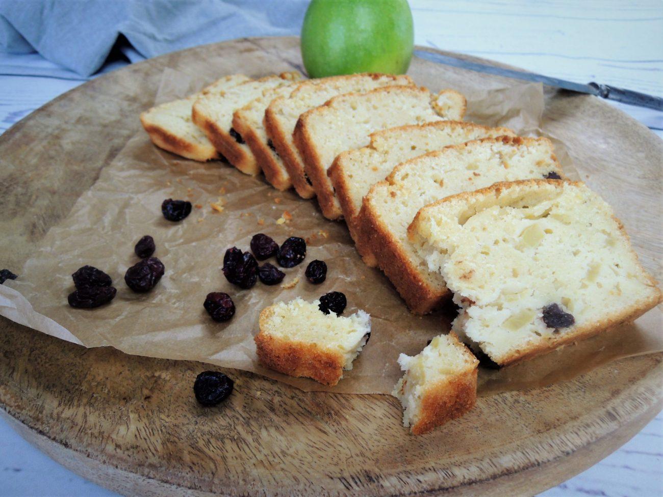 Podmáslový chlebíček s jablkem