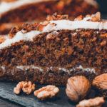 Mrkvový dort s vlašskými ořechy