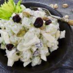 Salát z řapíkatého celeru s hroznovým vínem
