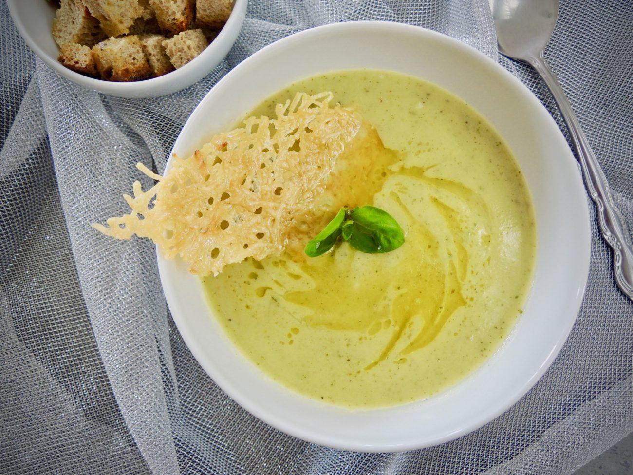 Krémová cuketová polévka s bazalkou