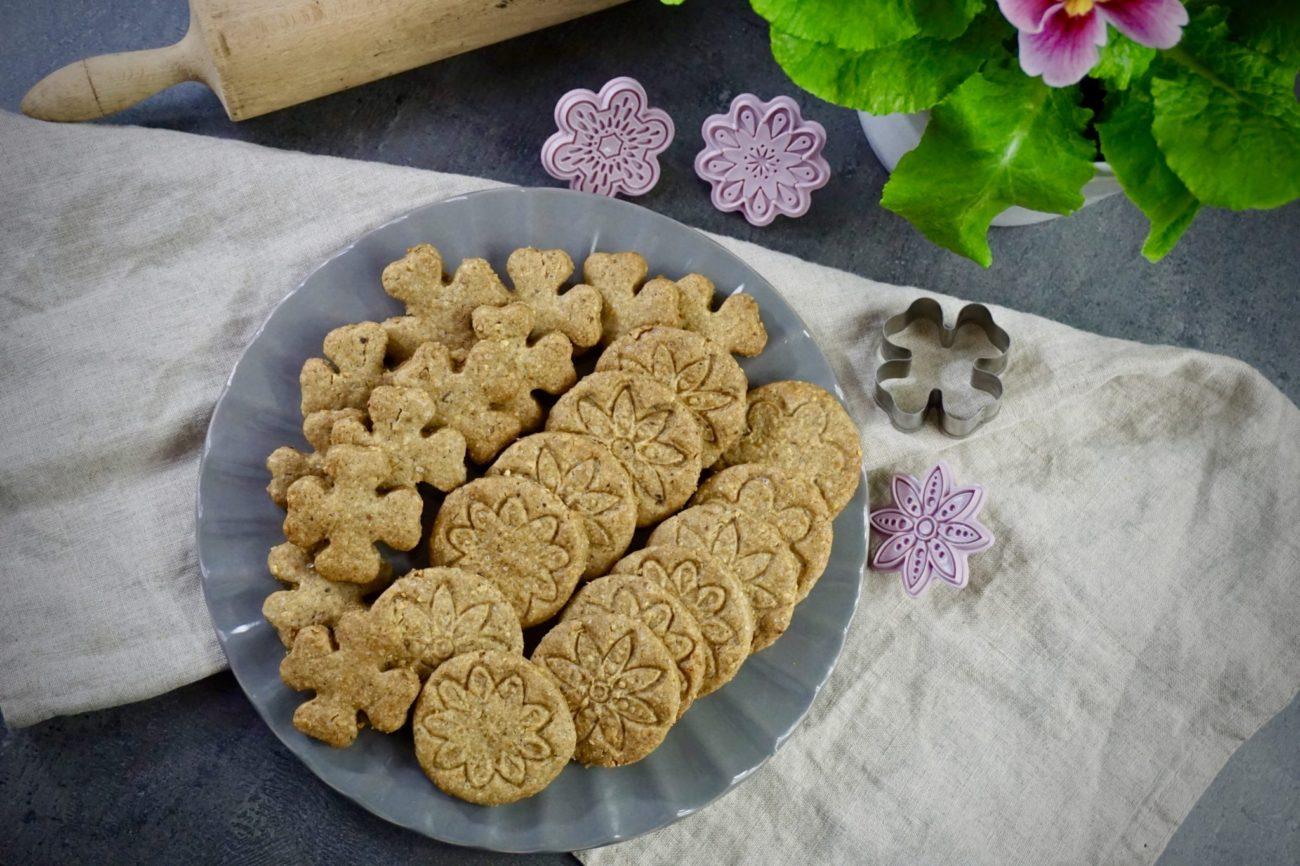Máslové matcha sušenky s pistáciemi
